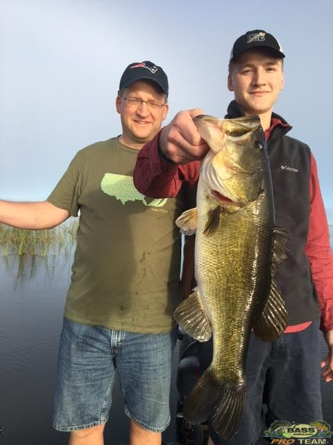 Okeechobee Largemouth Bass fishing Guide Capt Mark Rose